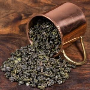 De Jiang Long Zhu loose tea in cup