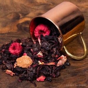 Raspberry Beret loose tea in cup