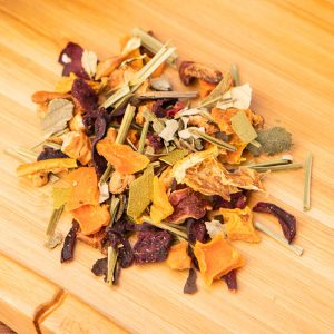 California Christmas loose-leaf, herbal tea blend: Apple pieces, carrot flakes, blackberry leaves, eucalyptus leaves, beetroot pieces, hibiscus blossoms, lemongrass, freeze-dried tangerine pieces, orange slices