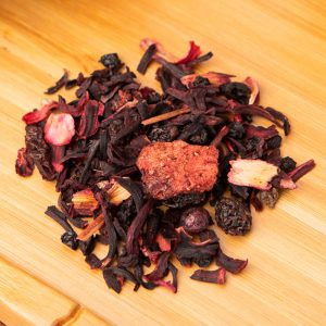 Raspberry Beret loose-leaf, herbal tea blend: Hibiscus, raisins, elderberry, raspberry, strawberry, blueberry