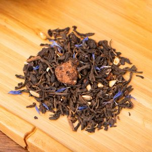 Superberry loose-leaf tea blend: Pu-erh tea, blueberries, pomegranate, freeze-dried raspberries, strawberries, blue cornflower blossom
