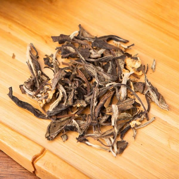 Traveloci-Tea loose-leaf, white tea blend: Chinese white tea, pineapple