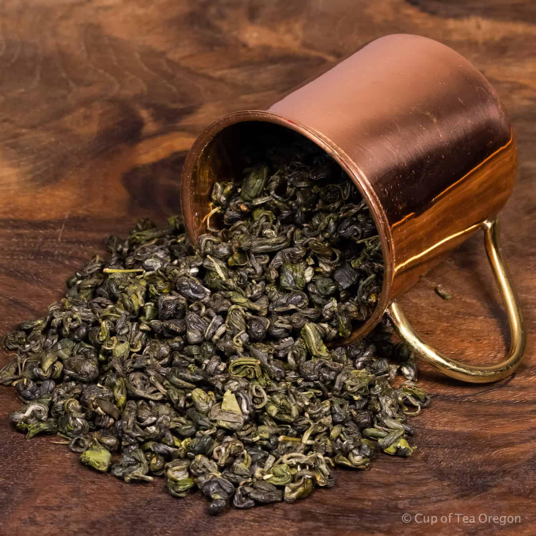 Emperor's Cloud loose tea in cup