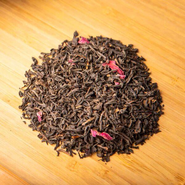 Rose City loose-leaf tea blend: Black tea, rose petals