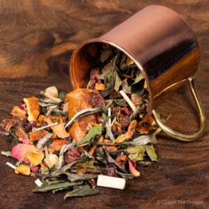 Persimmon Peach loose tea in cup