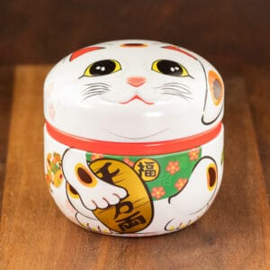 cat design white color tin