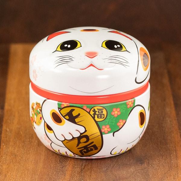 cat design white color tin